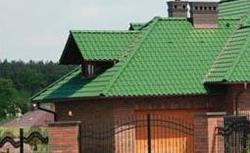 Kolor pokrycia dachowego. Dobrany do domu i otoczenia.