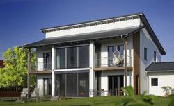 Balkony i tarasy na piętrze - dodatkowe miejsce relaksu. Zobacz galerię zdjęć balkonów