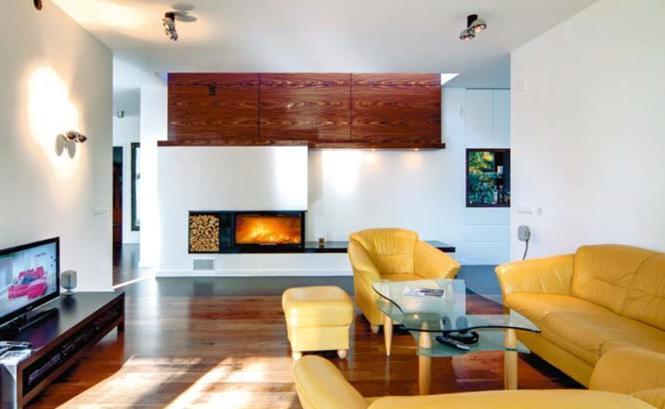 Wnętrza nowoczesnego domu: ściana kominkowa