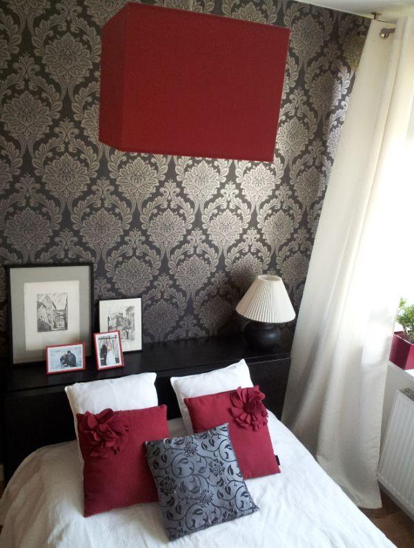 Aranżacja sypialni z tapetą