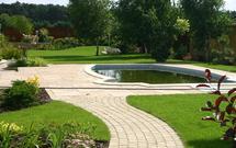 Projektowanie ogrodu przydomowego: przed budową czy po budowie domu?