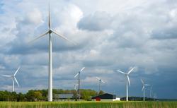 W jakiej odległości od zabudowy mieszkaniowej może powstać farma wiatrowa?