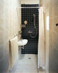 Prysznic bez brodzika w małej łazience