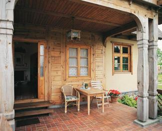 Okna drewniane: co decyduje o trwałości okien