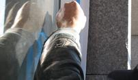 Na jakim etapie budowy domu montować okna? Czy zimą montaż okien jest możliwy?