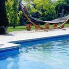 Basen ogrodowy: kiedy opłaca się budowa, kiedy kupno basenu (poradnik)